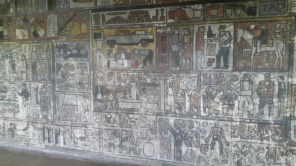 Mural Oficios, Julio Alpuy, 1955. Liceo N.3 Dámaso Antonio Larrañaga (Foto del FB de la Prof. Tomeo)