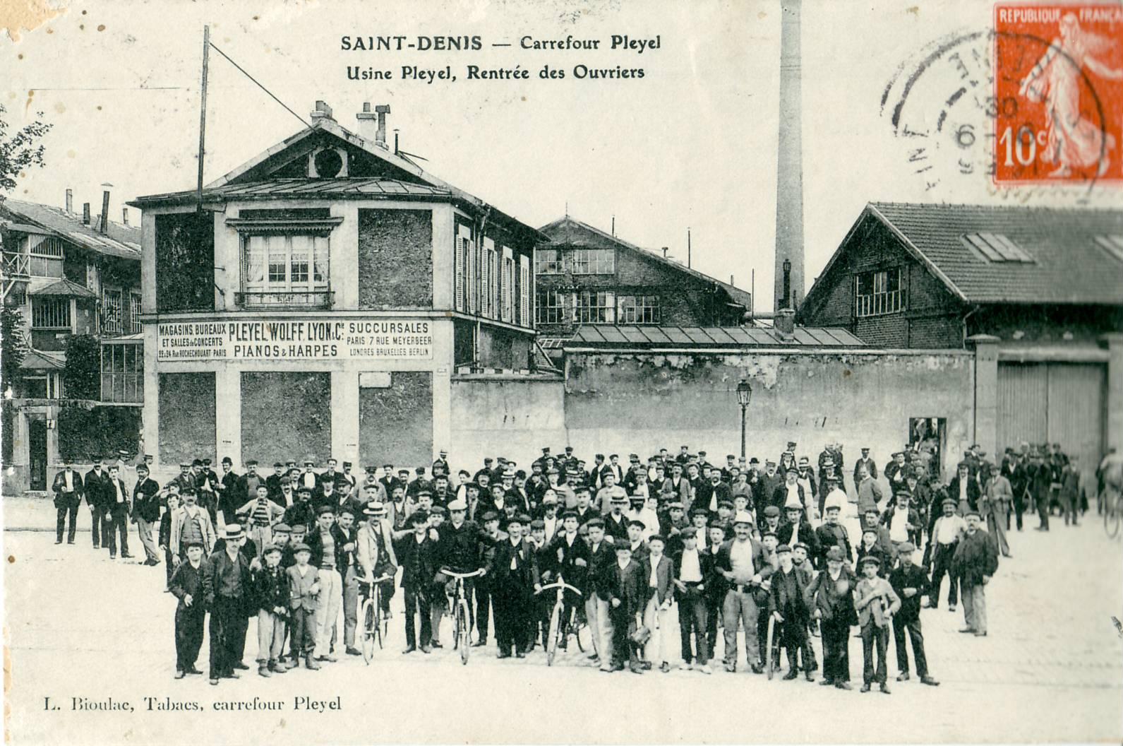 El Carrefour Pleyel, es hoy la financiera de Saint Denis, en aquella época tomó su nombre de la manufactura de pianos Pleyel, fundada en 1807.