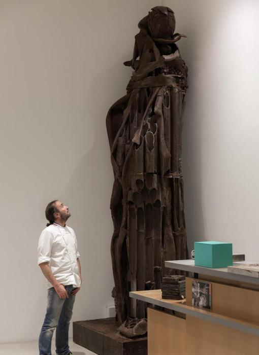 Patrick Roger en el Musée Rodin, preparando el traslado de su Balzac