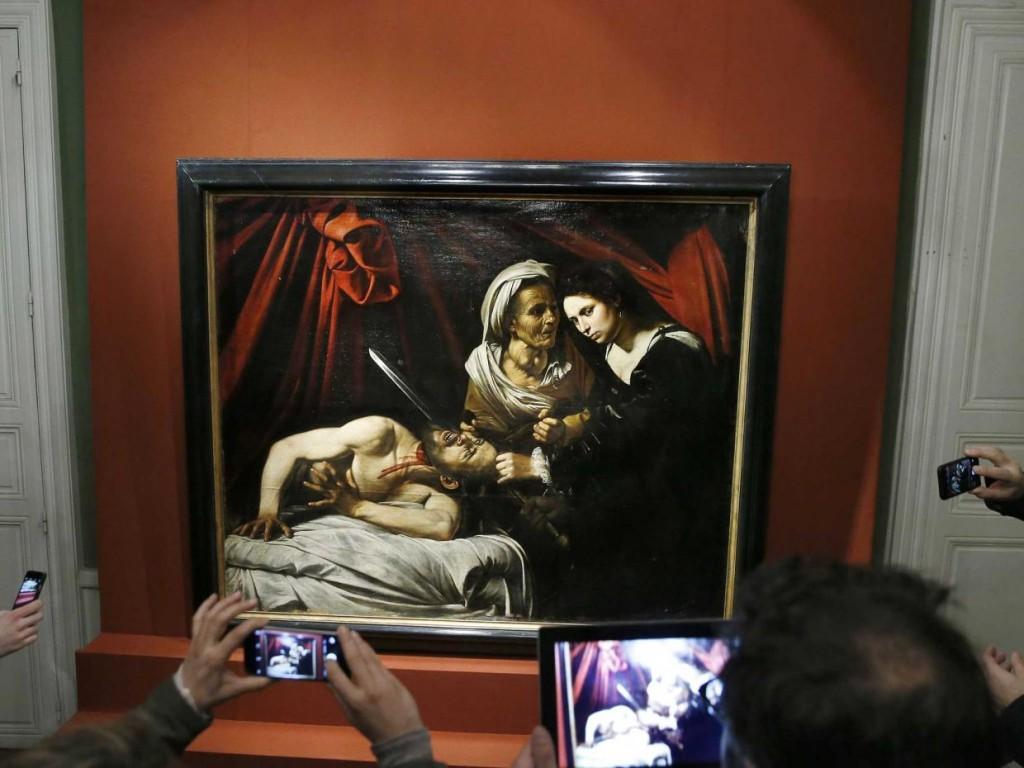 Judith decapitando a Holefernes, posible original de Caravaggio, c. 1606