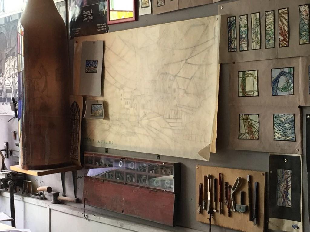 Dibujos, cartones, modelos y las herramientas de uno de los Maitre Verrier